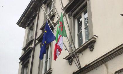 Bandiere a mezz'asta e minuto di silenzio: oggi si piangono le vittime del Coronavius