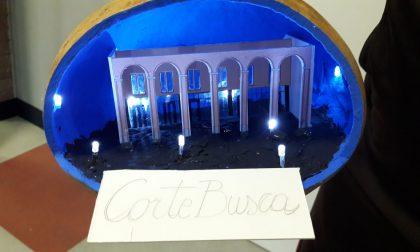 Corte Busca in una zucca: nonno Franco riproduce il centro con creatività
