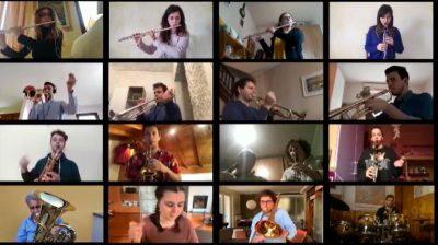 La banda suona la musica degli Addams… in videoconferenza VIDEO