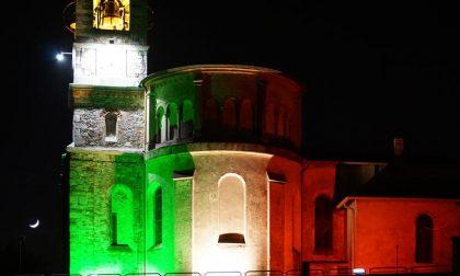 La chiesa di Monticello si illumina del tricolore