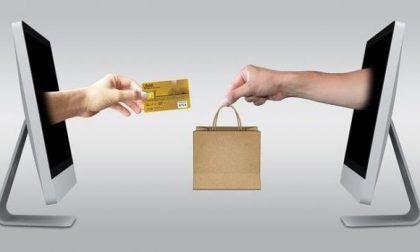 I sindacati ricorrono, il TAR blocca l'e-commerce (non essenziale) in Lombardia
