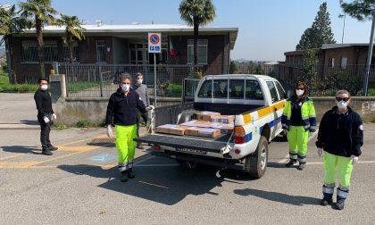 Istituto Fumagalli, i volontari consegnano i pc a casa degli studenti