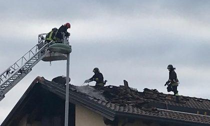 Incendio, residenti svegliati dall'allarme LE FOTO