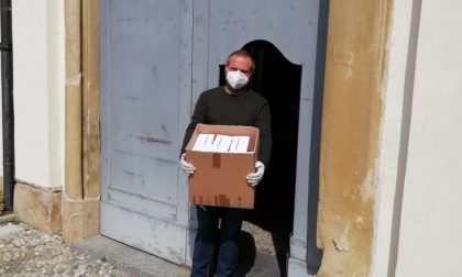Il gruppo consiliare della Lega dona mille mascherine FOTO