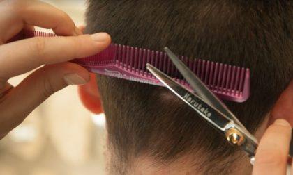 Riaprire parrucchieri e centri estetici anche in zona rossa: gli artigiani lanciano una petizione