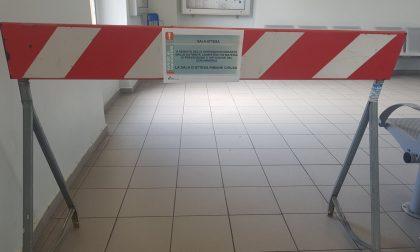 La fase 2 dei pendolari: cartelli per il distanziamento e sale d'attesa off limits FOTOGALLERY
