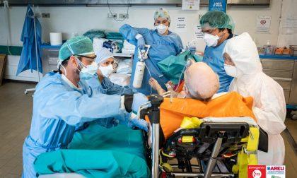 Covid: ancora oltre 4mila positivi in Lombardia. Più di 150 pazienti in terapia intensiva, riapre l'ospedale in Fiera