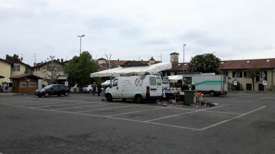 Torna il mercato in piazza don Minzoni a Merate: massimo 50 persone e rilevazione della temperatura all'ingresso