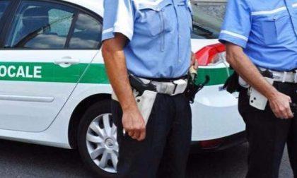 Ladri saccheggiano le auto fuori dal centro benessere