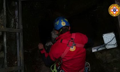 Finiscono in un canalone: salvati dal soccorso alpino