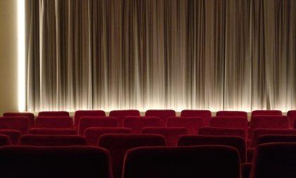 Lunedì riaprono cinema e teatri: nessun obbligo di mascherina al posto
