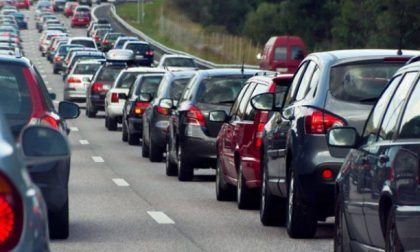 Traffico intenso nel primo week end di esodo 2020: la Statale 36 tra le più battute d'Italia