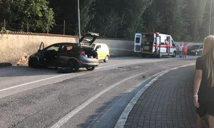 Incidente, auto contro il muro: ferito un ragazzo FOTO