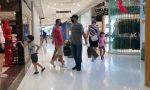 Non solo coprifuoco: centri commerciali chiusi nel weekend e didattica a distanza alle superiori