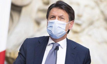 Coronavirus, il premier Conte autorizza i sindaci a chiudere strade e piazze dalle 21