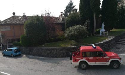 Brusca caduta nel bosco di Montevecchia. Ambulanza e Vigili del Fuoco sul posto