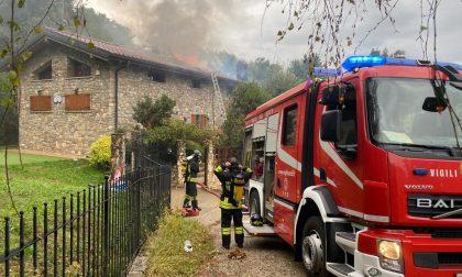 Incendio tetto, grossi danni a una cascina FOTO