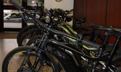 Affittavano biciclette, ma invece di restituirle al noleggiatore le rivendevano