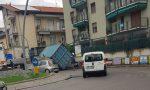 Camion perde il carico sulla Lecco – Bergamo: traffico in tilt FOTO