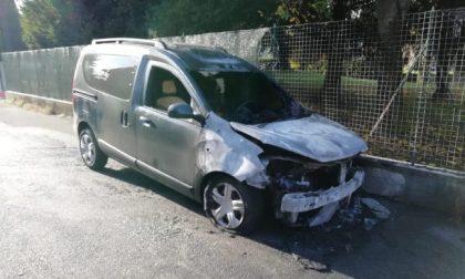 Airuno: sesta auto in fiamme in un mese. L'episodio nella notte
