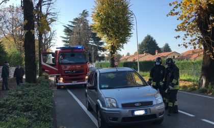Incidente all'incrocio di Robbiate, auto contro furgone FOTO