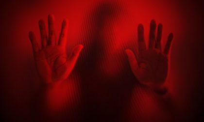 Sequestrata la sera di Natale e violentata: orrore nel Varesotto