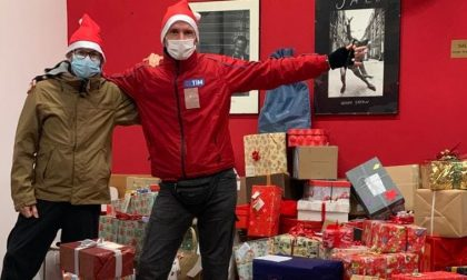 Scatole di Natale: l'onda di solidarietà partita da Lecco ha sommerso il territorio FOTO