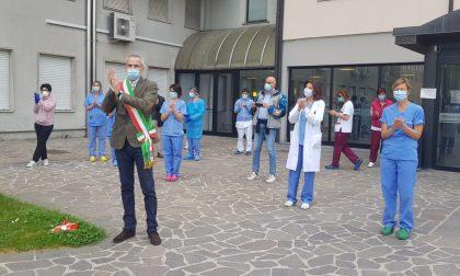 Sant'Ambrogio anomalo per i meratesi: niente fiera, benemerenza agli eroi della pandemia