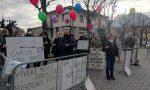 Carlo Gilardi: manifestazione davanti al tribunale di Lecco. Decisione sulla revoca dell'amministrazione di sostegno rinviata FOTO E  VIDEO
