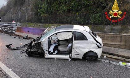 Schianto in 36: donna intrappolata nell'auto liberata dai Vigili del Fuoco
