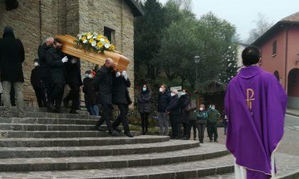 Grande commozione al funerale di Carlo Cavenaghi FOTO