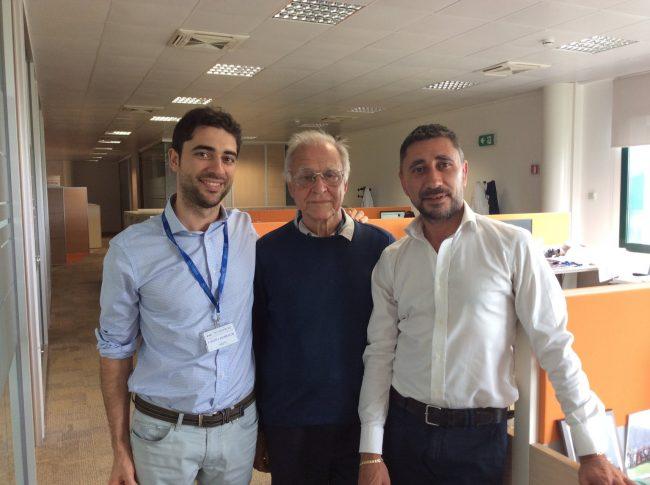 Al centro Giuseppe Crippa, fondatore della Technoprobe, con i figli Cristiano e Roberto