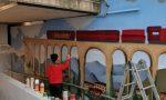 Murales, a Cisano continua il lavoro dei giovani artisti nel sottopassaggio della stazione FOTO