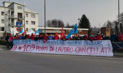 """Teva Bulciago, lavoratori in sciopero ad oltranza: """"Fino a quando non otterremo risultati"""""""