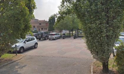 Covid: il sindaco vuole chiudere le scuole dopo l'ennesimo focolaio