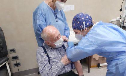Vaccini anti covid agli anziani: ieri in Lombardia 3791 somministrazioni