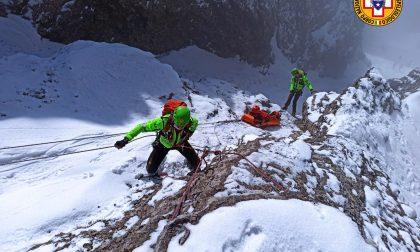 Le spettacolari immagini degli uomini del Soccorso Alpino in Grignetta