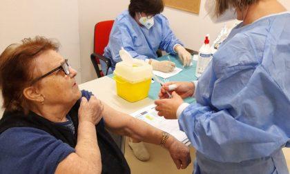 Vaccini anti Covid anche al centro anziani di Lomagna