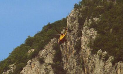 Precipita sul San Martino, 59enne in condizioni serie