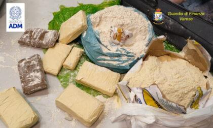 In aeroporto con le valigie piene di soldi: 190mila euro non dichiarati fermati a Malpensa
