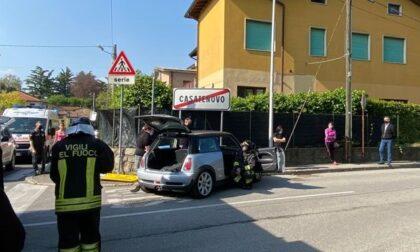 Auto contro il muro, due giovani incastrati
