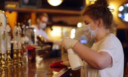 Pubblicate le FAQ sui bar: i bagni si possono di nuovo usare, consumo al banco vietato fino al 31 maggio