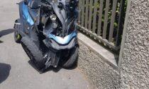 Incidente all'incrocio tra auto e moto: ferito un centauro LE FOTO