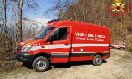 Scivola sul sentiero al Molinazzo: 71enne soccorso da sanitari e Vigili del Fuoco
