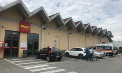 Si infortuna in magazzino: 32enne trasportata in ospedale