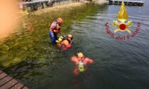 Si tuffa da un pontile e non riemerge: turista annega nel Lario