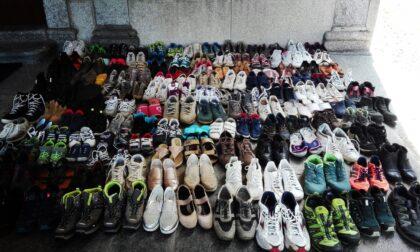 Sagrato invaso dalle scarpe... per solidarietà