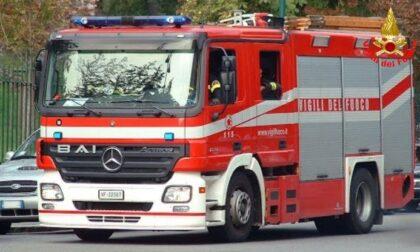 Maltempo: a fuoco un palo della luce a Casatenovo