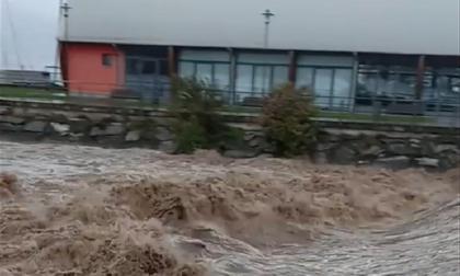 Ancora danni per il maltempo: fiumi e torrenti in piena, frana a Premana e massi sulla Sp72