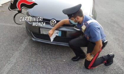 Senza patente, tenta la fuga dai Carabinieri in contromano